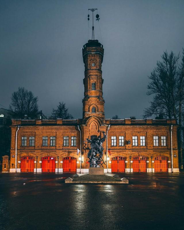 Обращение начальника ОНДПР Василеостровского района — Прогуляться по залам старейшего в России музея пожарного дела можно виртуально!